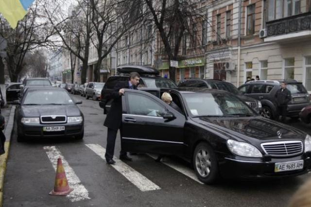 Выборы-2019: какими авто пользуется Юлия Тимошенко