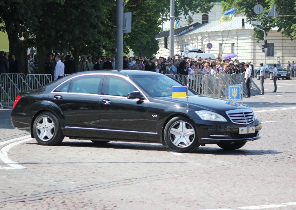 На каких авто ездит президент Петр Порошенко