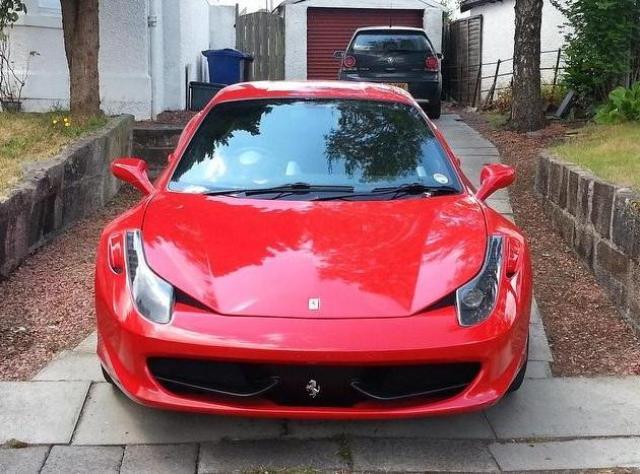 В интернете продают поддельную Ferrari, которую не отличить от оригинала