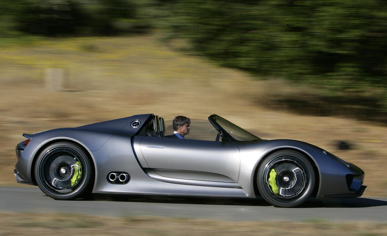 Как горит 1 миллион долларов: пылающий суперкар Porsche 918 Spyder