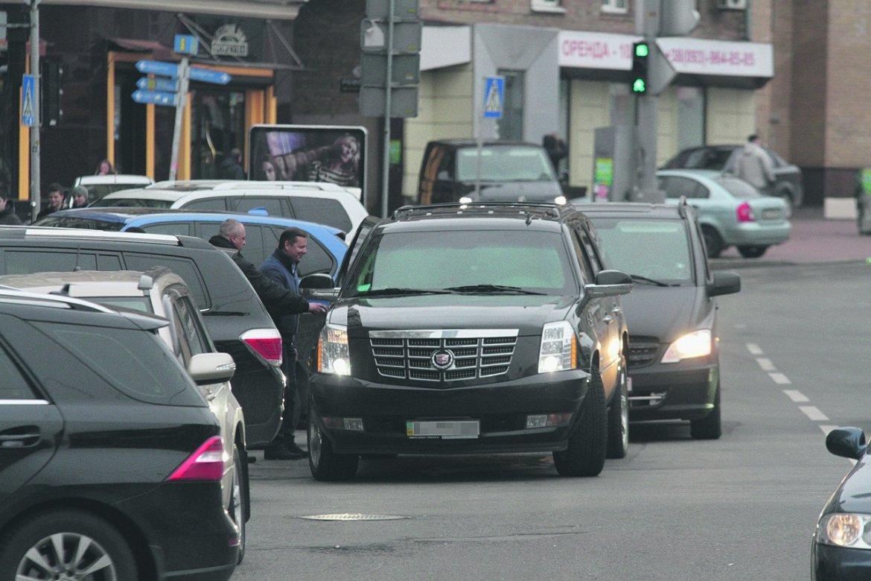 Олег Ляшко променял свой Range Rover на Cadillac Escalade?!