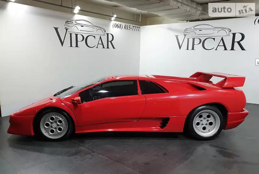 В Украине продается уникальный суперкар Lamborghini Diablo