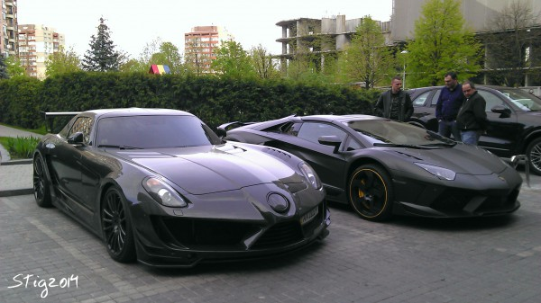 Шейхам на зависть: шокирующая парковка с суперкарами в Киеве