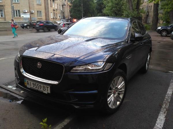 Jaguar F-Pace в Украине: первый в СНГ кроссовер Ягуар на дорогах Киева