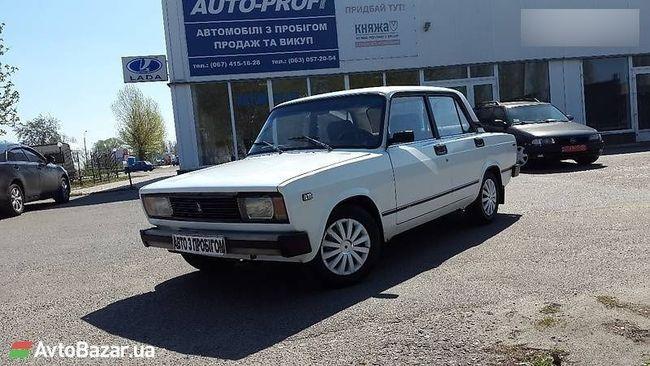 В Украине выставили на продажу редкий ВАЗ-2105 с заводским автоматом