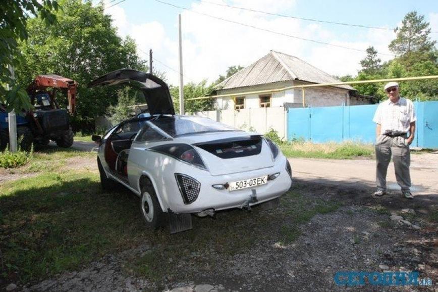 В Украине продают уникальный спорткар ручной работы