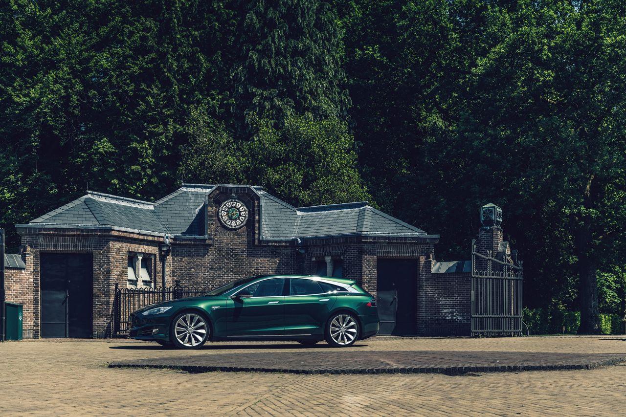 Первый универсал Tesla появится до конца года