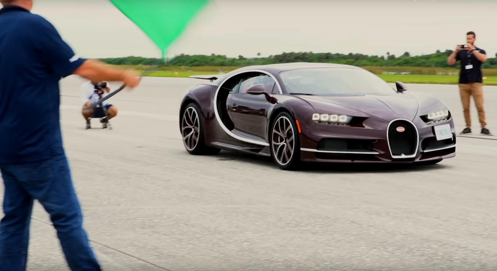 Bugatti Chiron продемонстрировал разгон до максимальной скорости (видео)