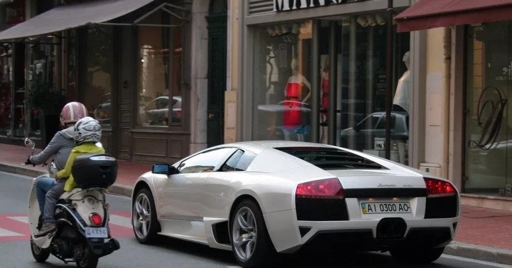 В Монако засняли Lamborghini экс-замглавы администрации Порошенко