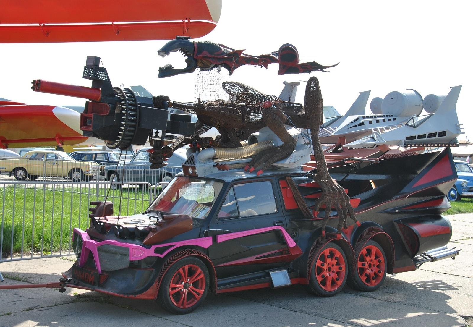 Эксклюзивные фото самого безумного авто в Украине