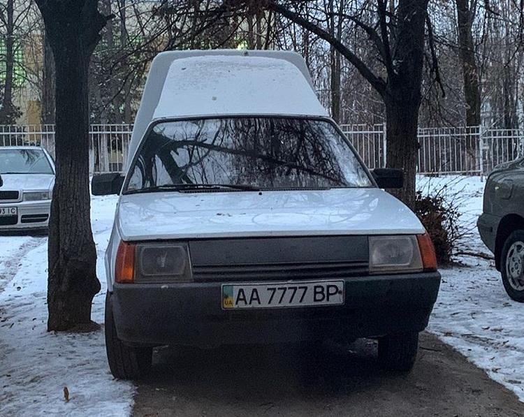 В Украине засветилась Таврия с номерами дороже самого авто