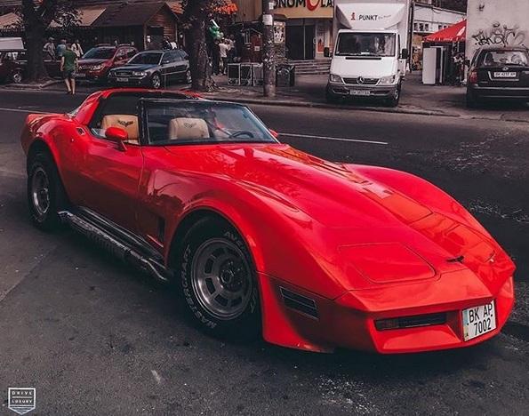 В Украине засветился культовый американский спорткар 80-х