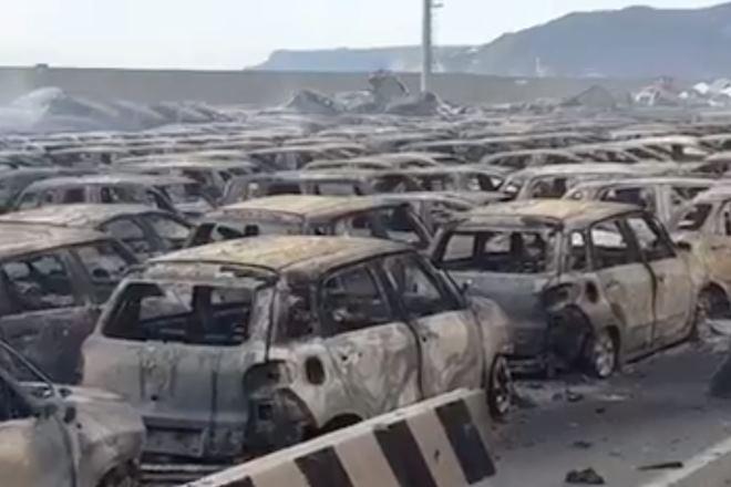 Мужские слезы: сотни новеньких Maserati дотла сгорели на парковке