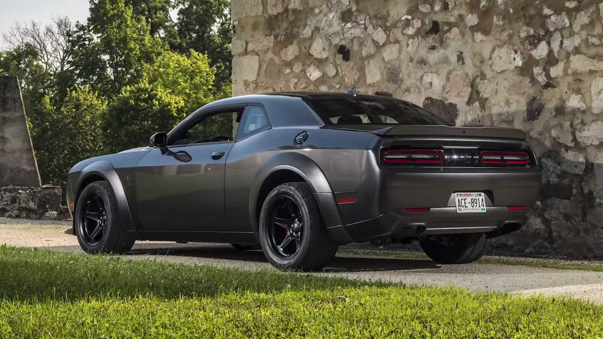 Самый экстремальный Dodge Challenger оказался быстрее Bugatti