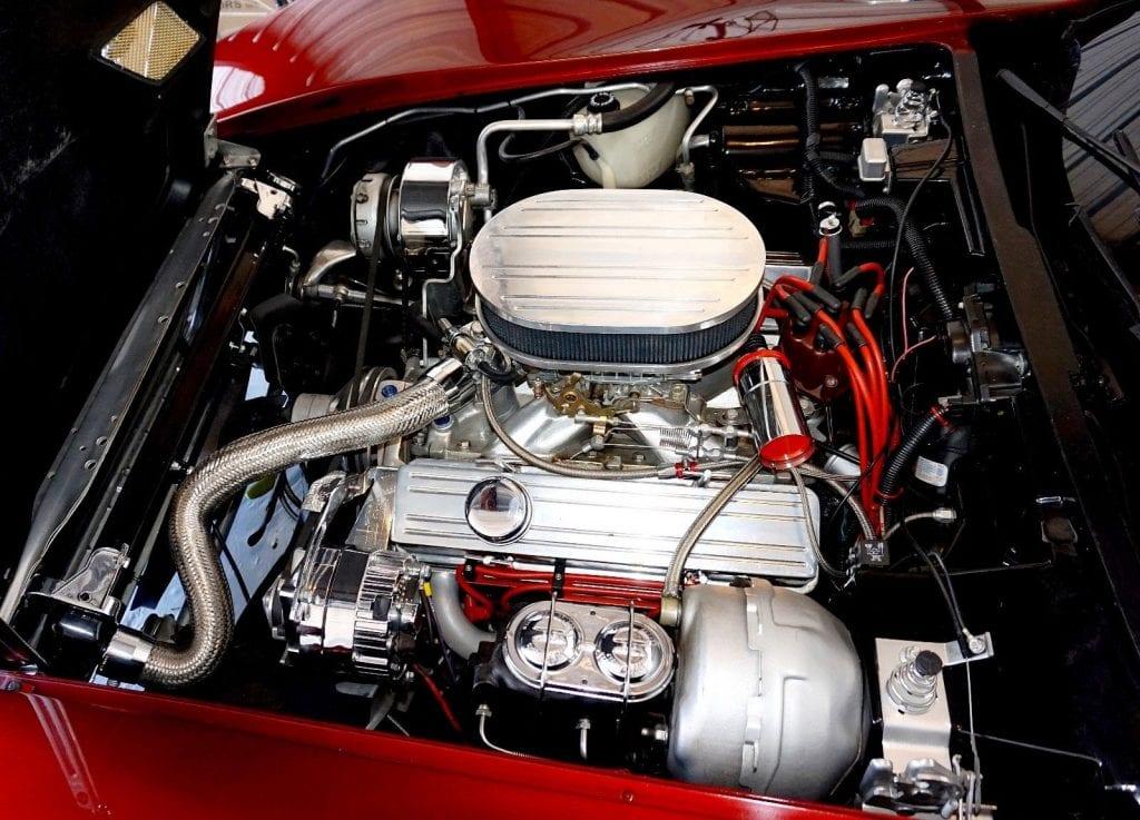 На продажу выставлен уникальный Chevrolet Corvette 80-х