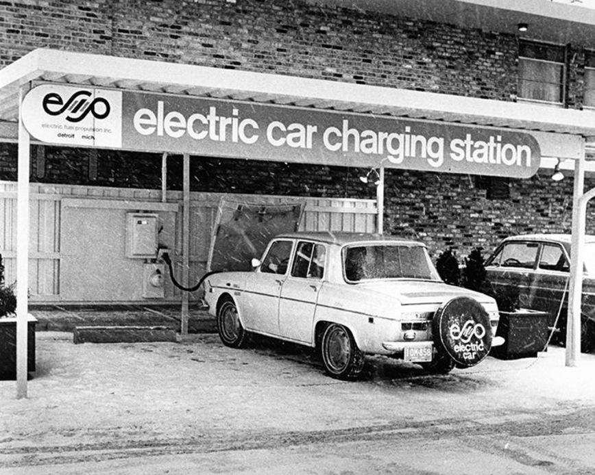 Редчайший 50-летний электромобиль обнаружили в старом сарае