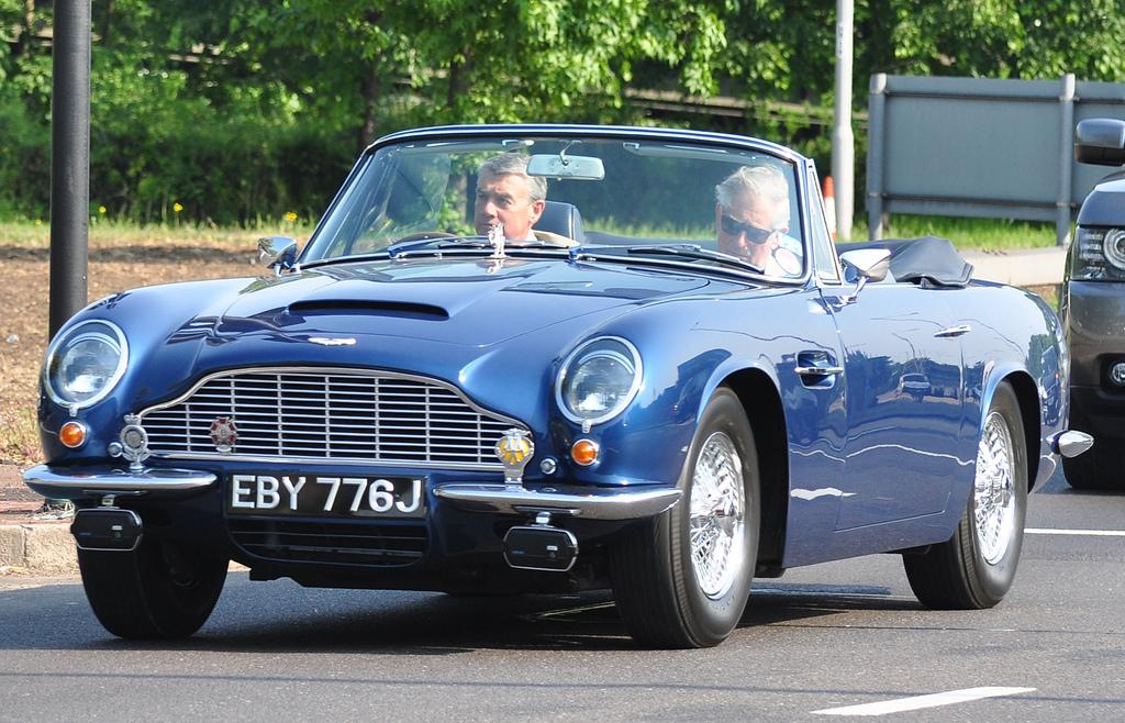 Aston Martin принца Чарльза теперь работает на белом вине