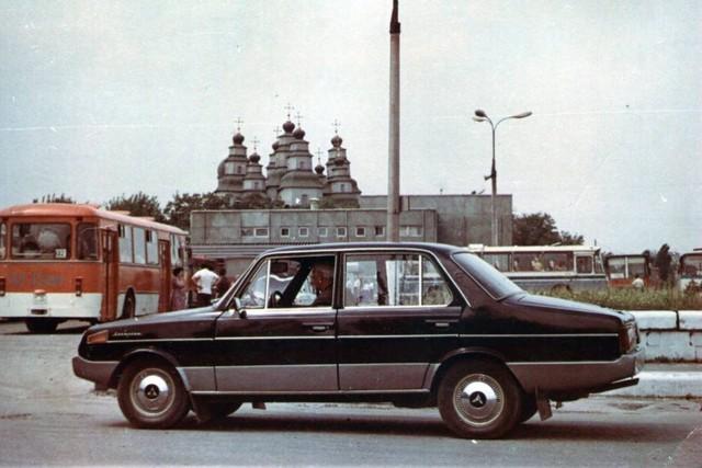 В Украине выставили на продажу уникальный и единственный автомобиль Ласточка