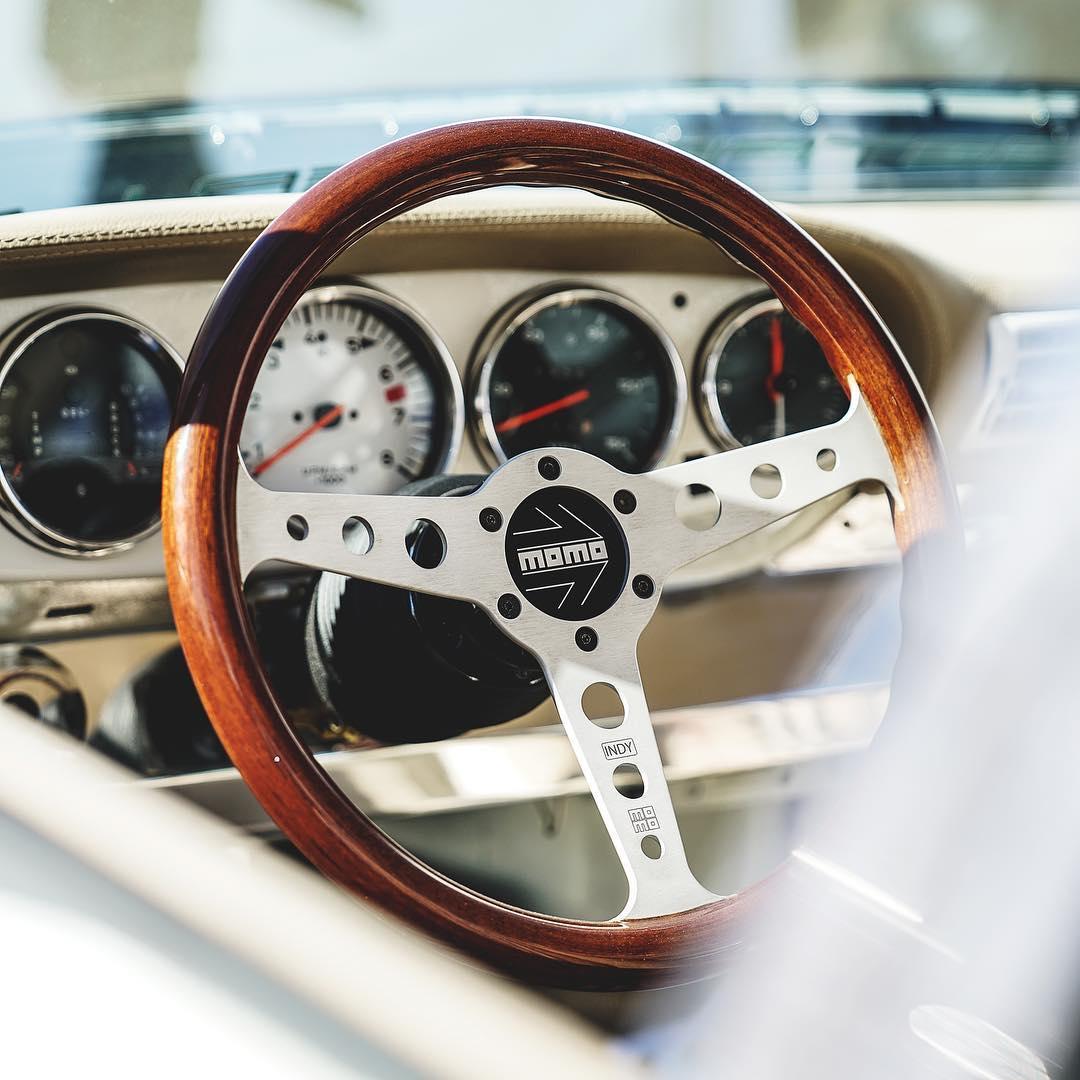Старый Porsche 911 превратили в безумный электрокар с мотором Tesla
