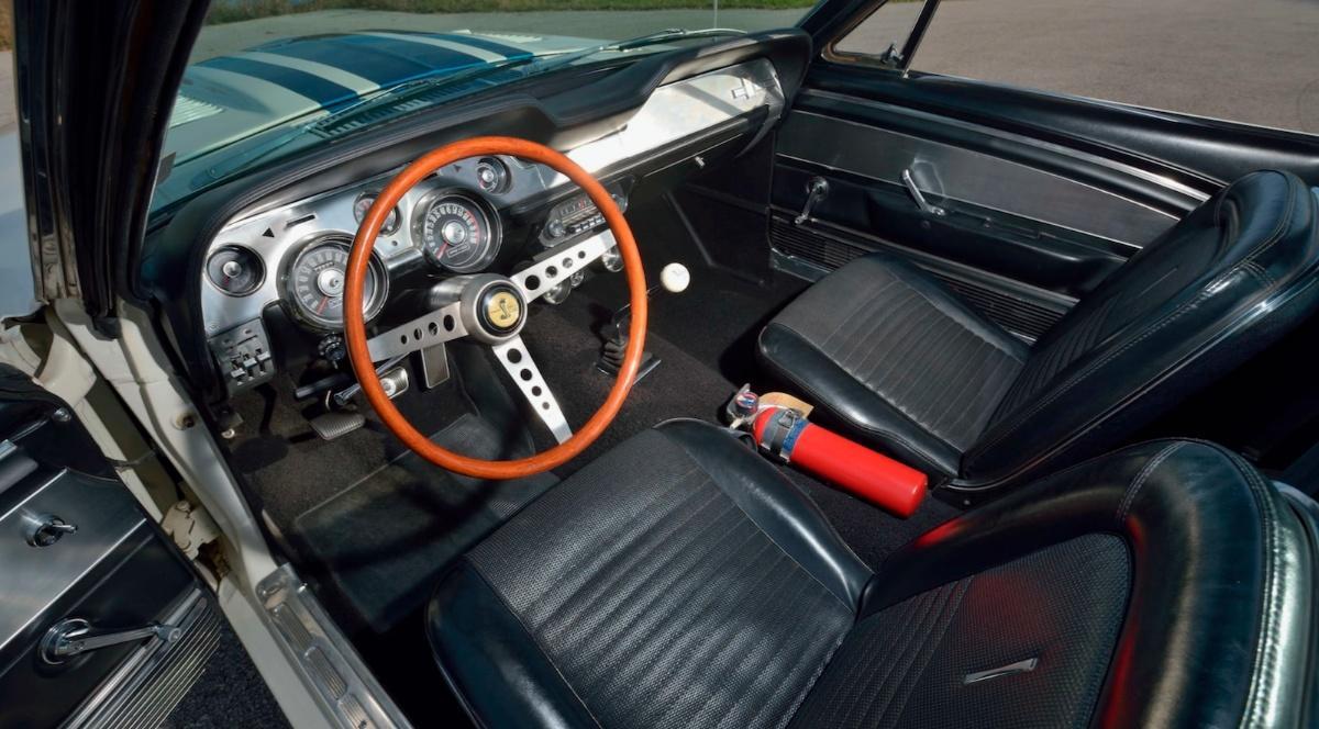 Самый невероятный Ford Mustang в истории продадут по цене суперкара