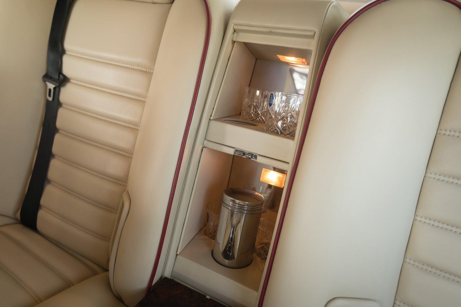 На продажу выставили самый невероятный Bentley в шведском стиле