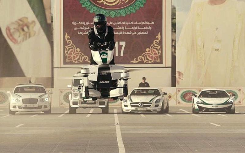 В Дубае полиция пересядет на летающие мотоциклы
