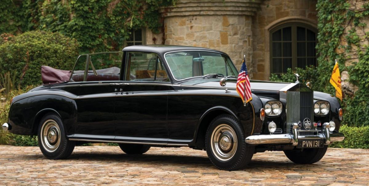 На продажу выставлен лимузин королевы Британии и известного диктатора