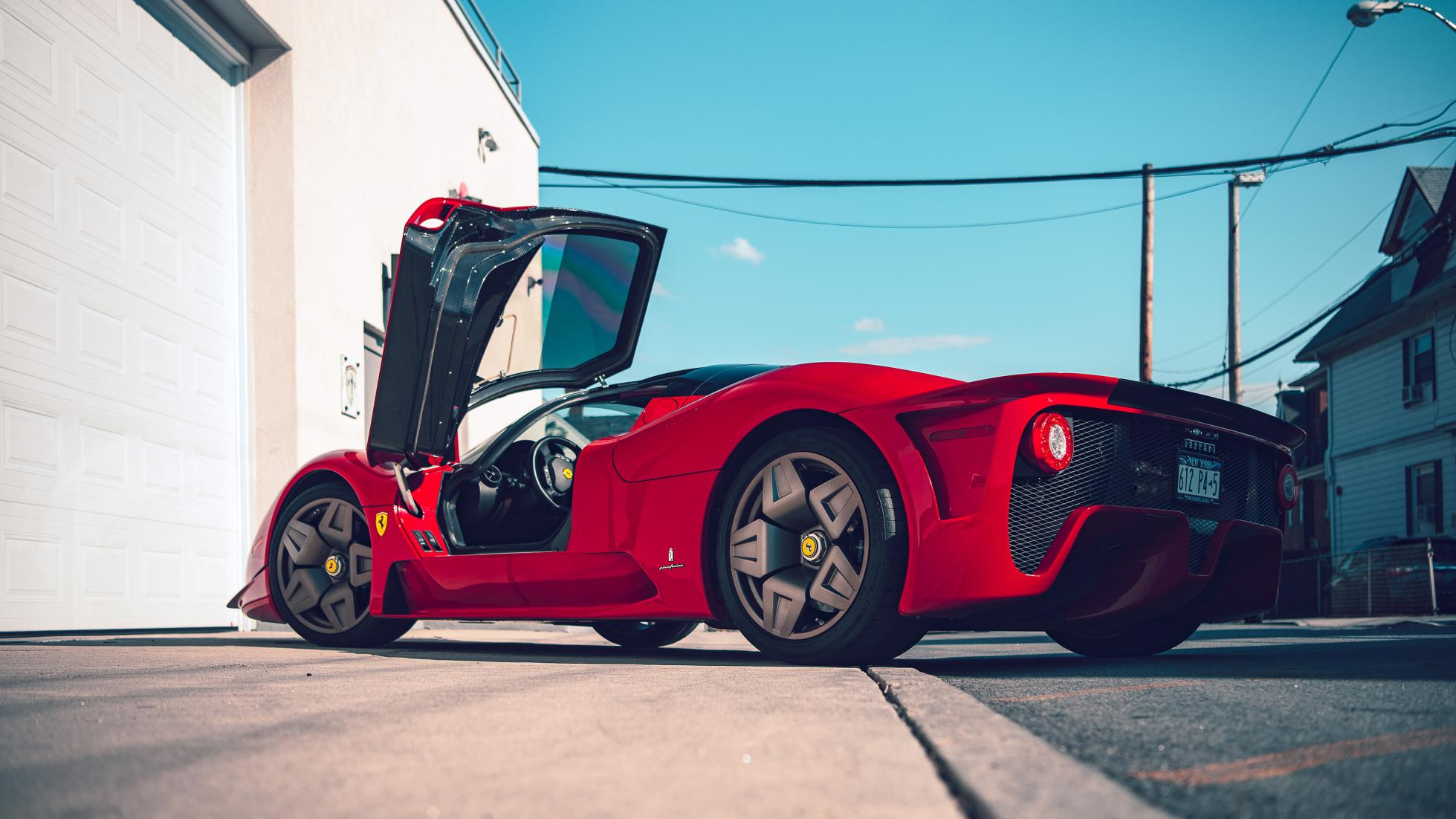 Уникальные фото самой крутой коллекции автомобилей Ferrari