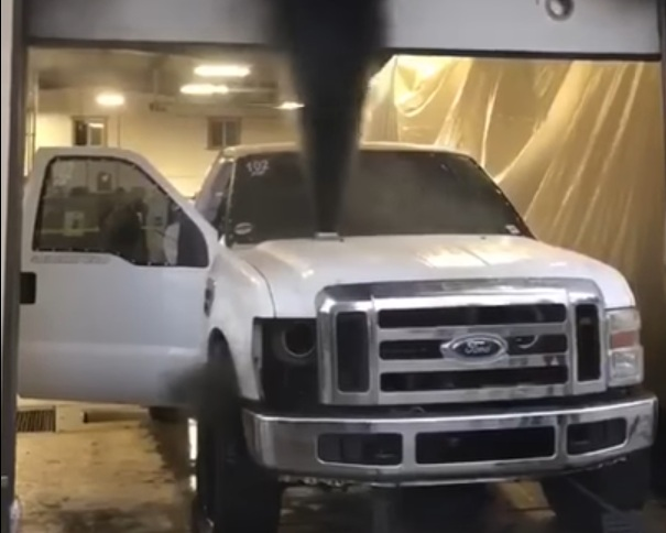 Тюнингованный 1200-сильный Ford взорвался во время теста