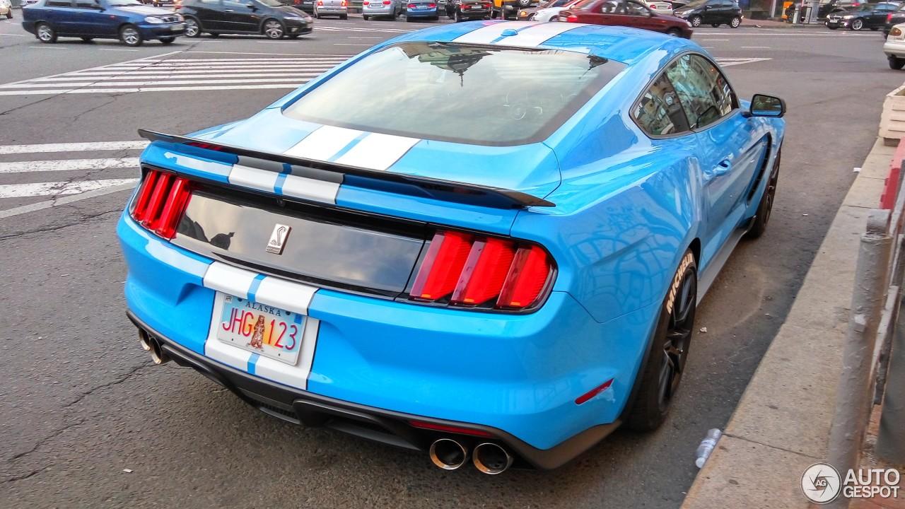 В Украине засняли заряженный Ford Mustang Shelby на иностранных номерах