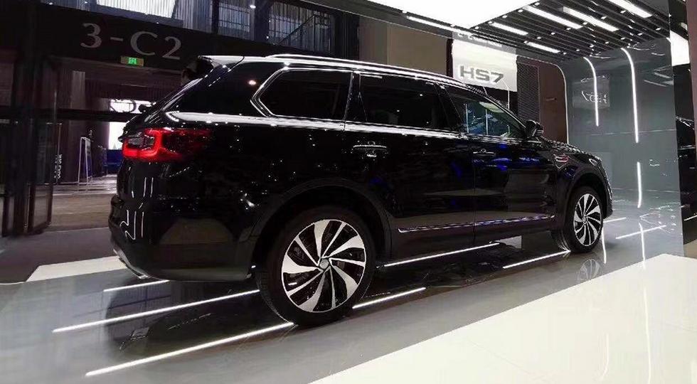 Китайцы представили конкурента BMW X5 по цене Кемри