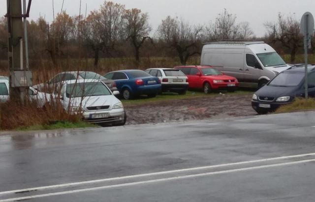 В Украине засняли кладбище авто на еврономерах
