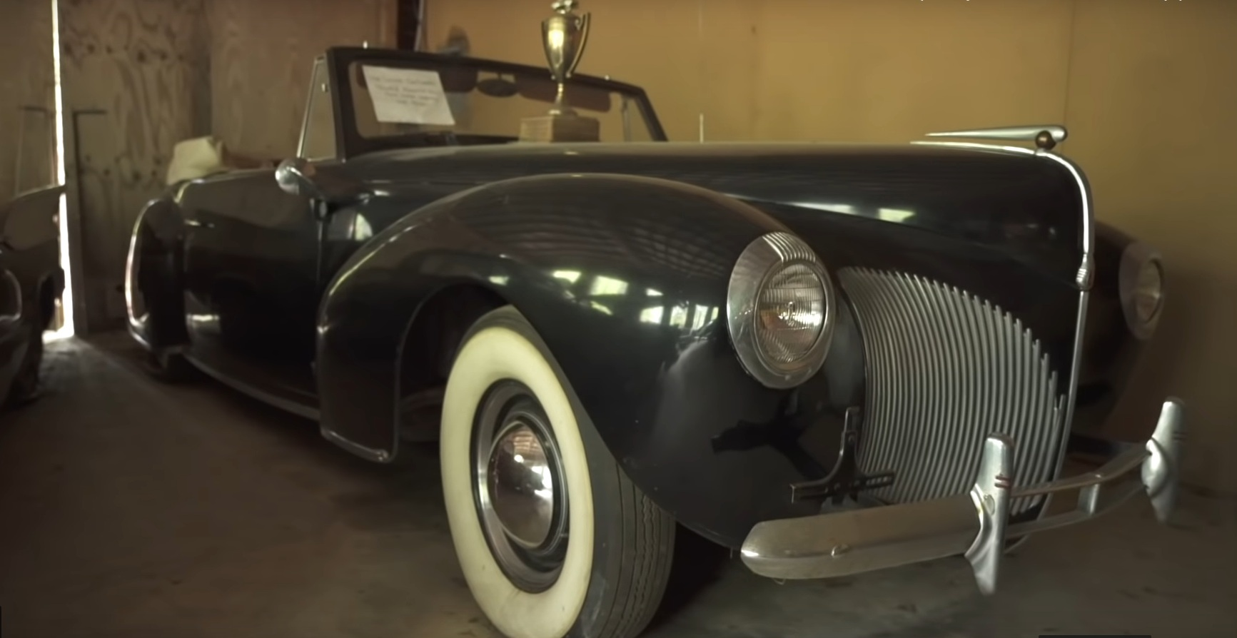 Свыше сотни коллекционных ретро-авто нашли на старой ферме