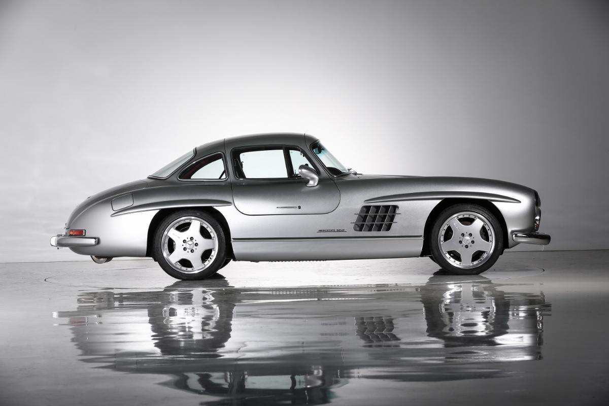 На продажу выставлен самый легендарный Mercedes 50-х с тюнингом AMG