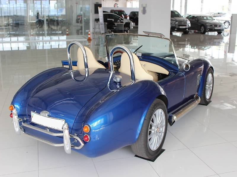 В Украине продается культовая Shelby Cobra 427