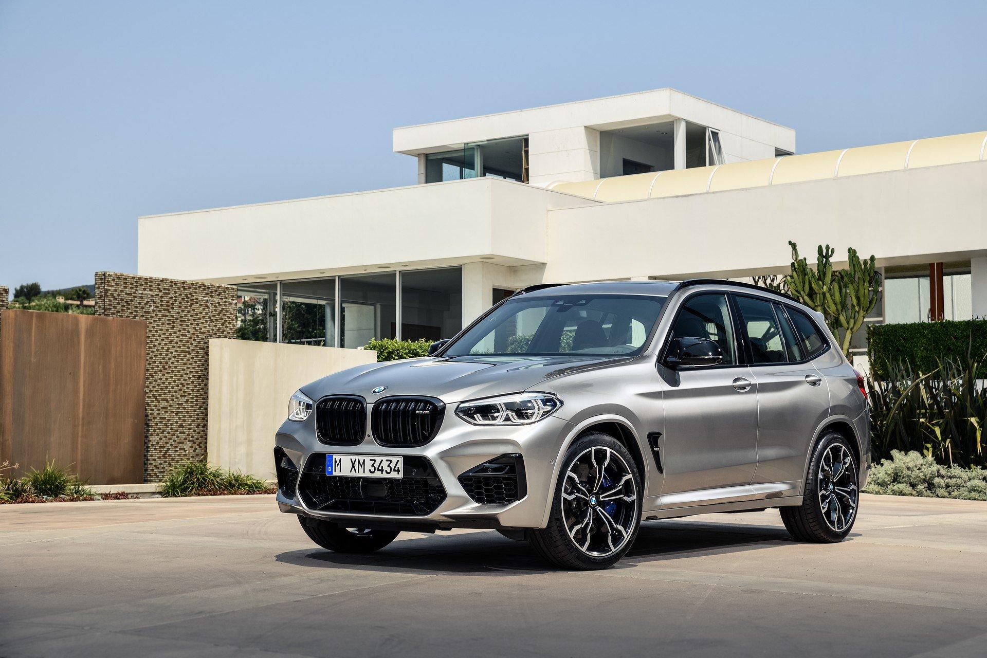 Официальные фото и подробности заряженных кроссоверов BMW X3 M и X4 M