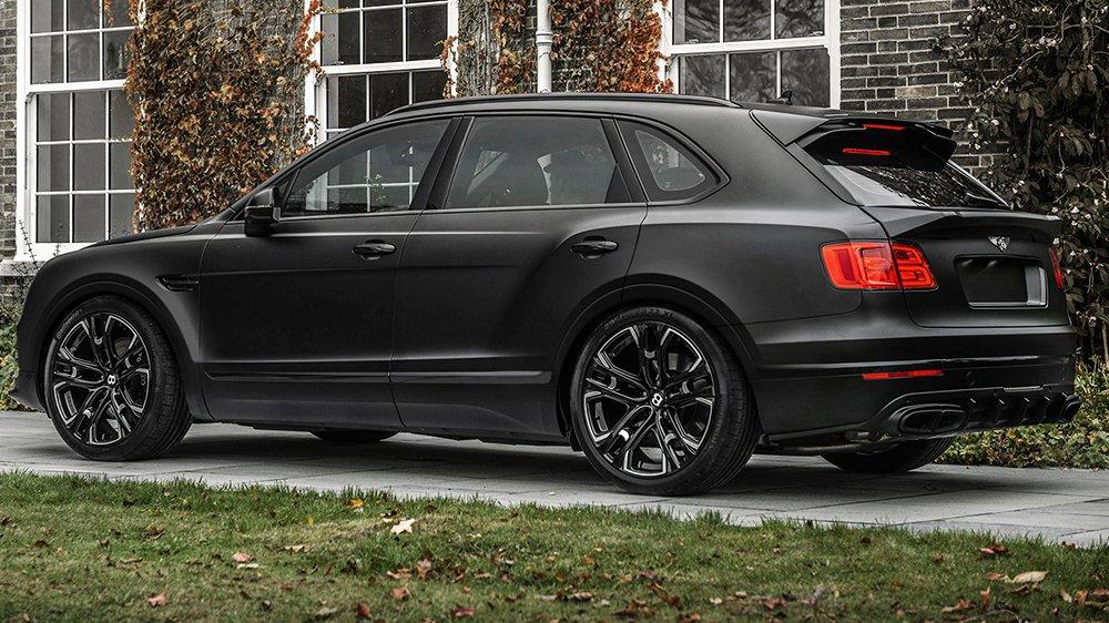 Самый невероятный тюнинг Bentley Bentayga в стиле Дарта Вейдера