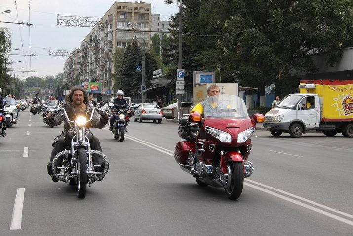 На каких авто и байках ездит кандидат в президенты Александр Вилкул