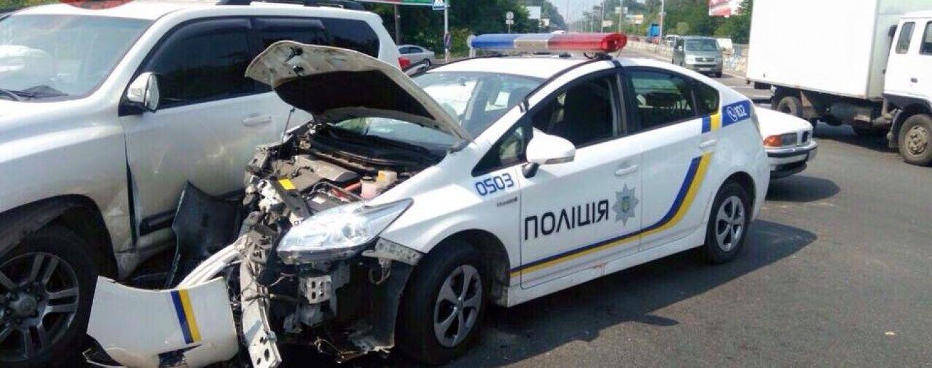 Раскрыта неожиданная причина массовых ДТП с участием полицейских Приусов
