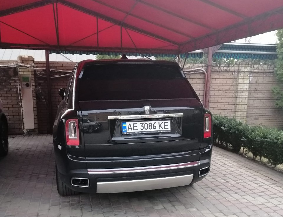 В Украине засняли самый роскошный в мире внедорожник