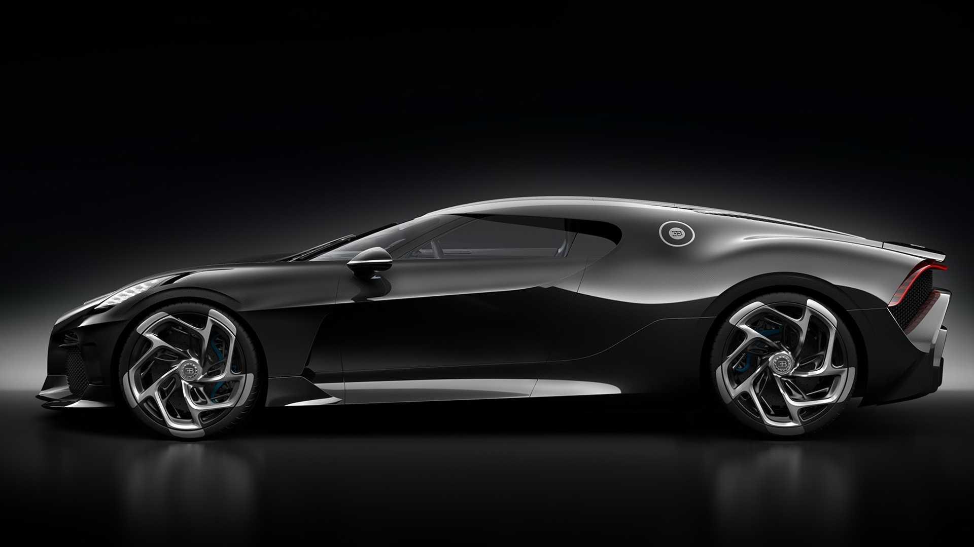 Живые фото самого дорогого авто в мире от Bugatti