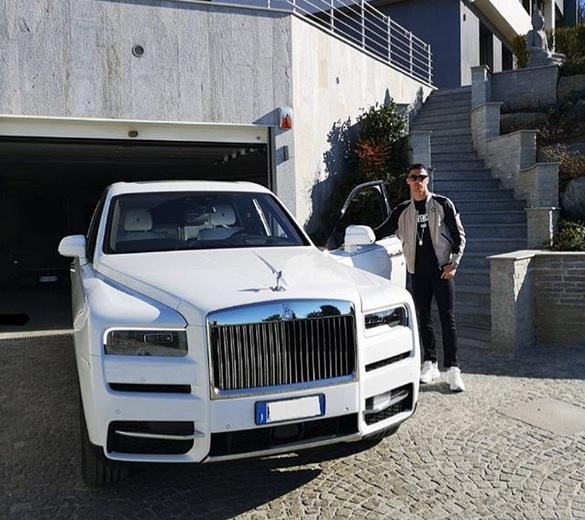 Криштиану Роналду пересел на внедорожный Rolls-Royce
