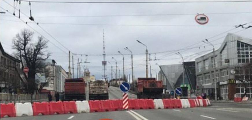 В Киеве перекрыли Шулявский мост: как объехать