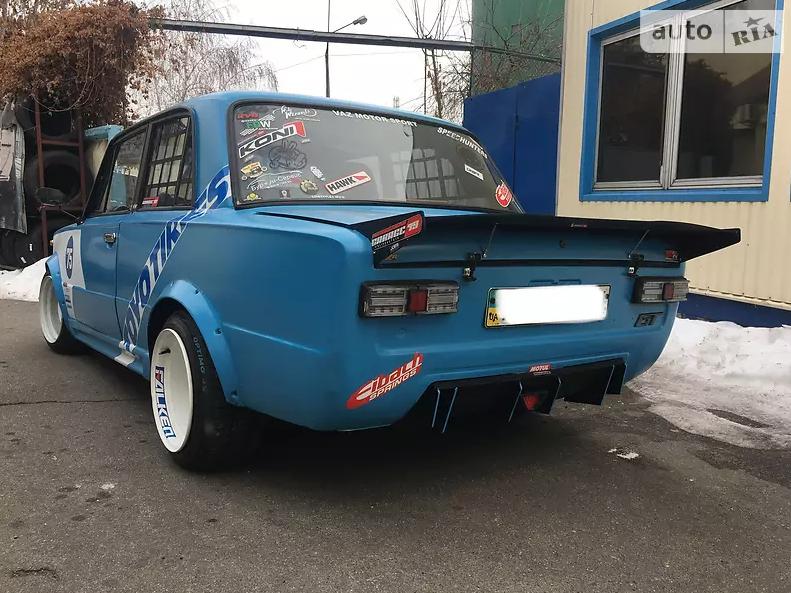 Яркое купе ВАЗ-2101 продают по цене мопеда
