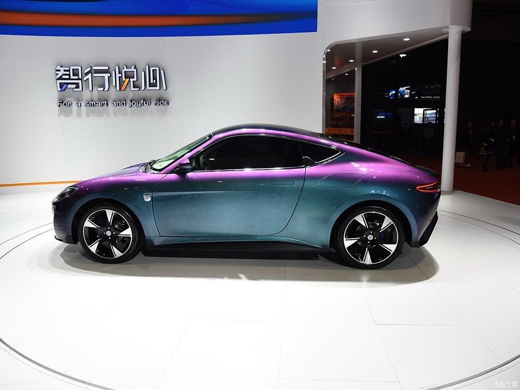 Китайцы представили электрический клон Porsche 911