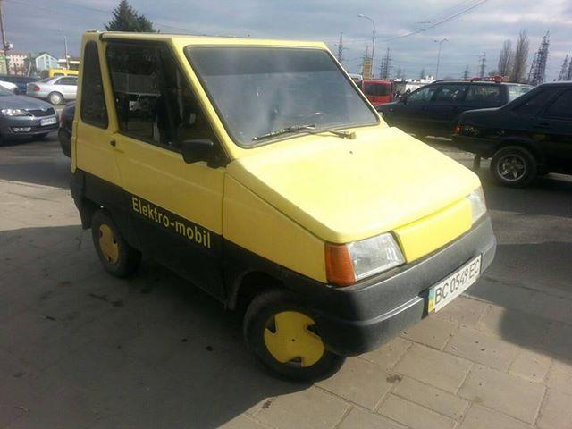 В Украине засняли редчайший ретро-электромобиль