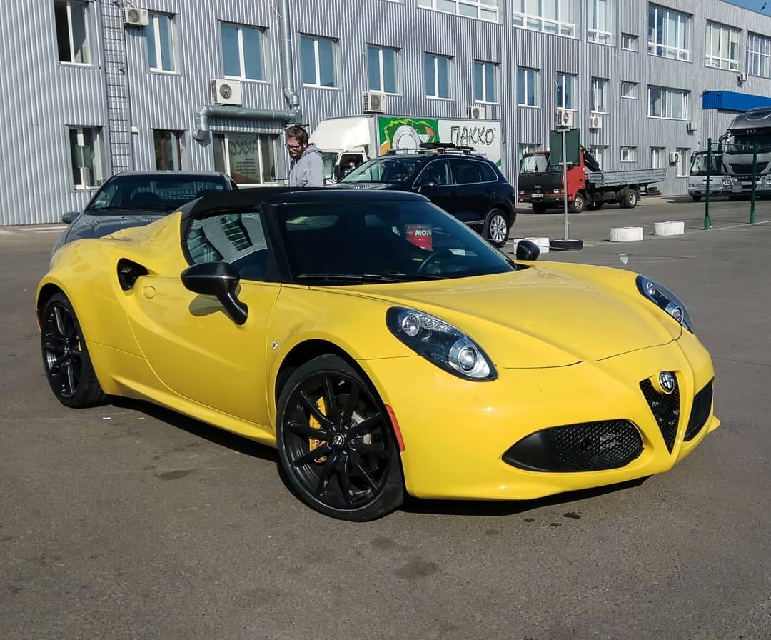 В Украине засветился редкий итальянский спорткар