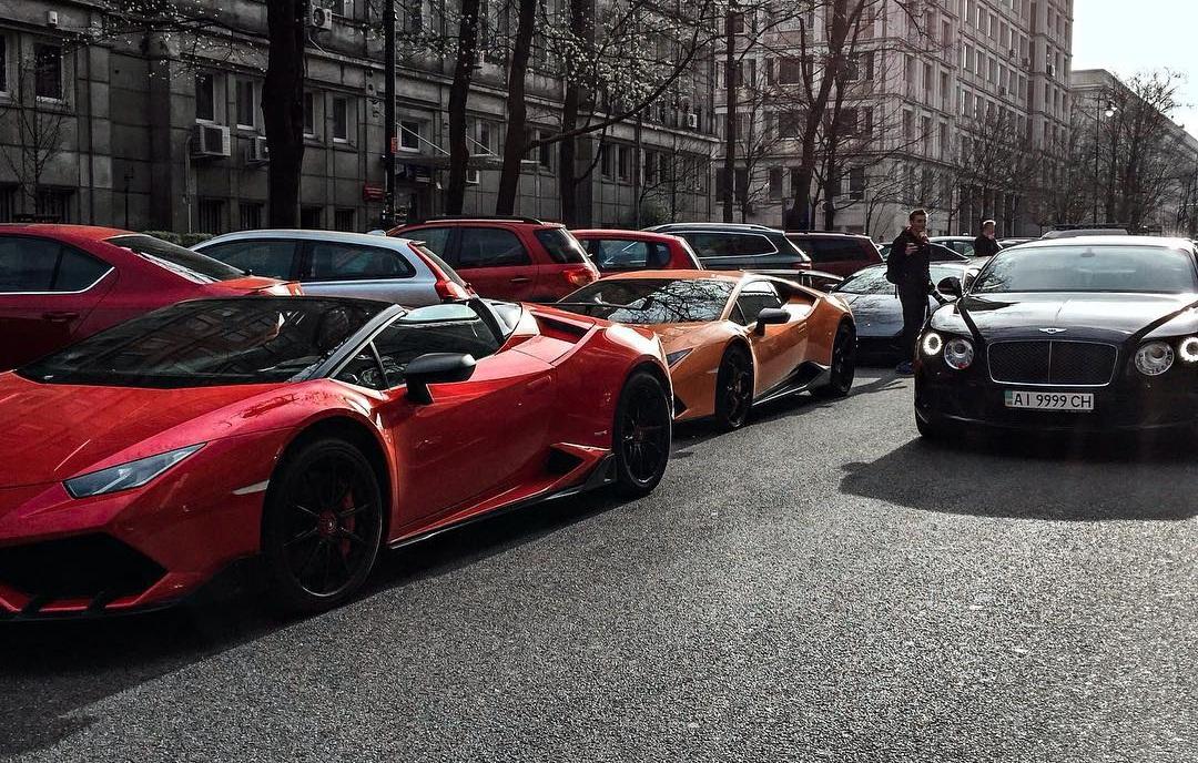 Украинцы засветились на европейском параде суперкаров