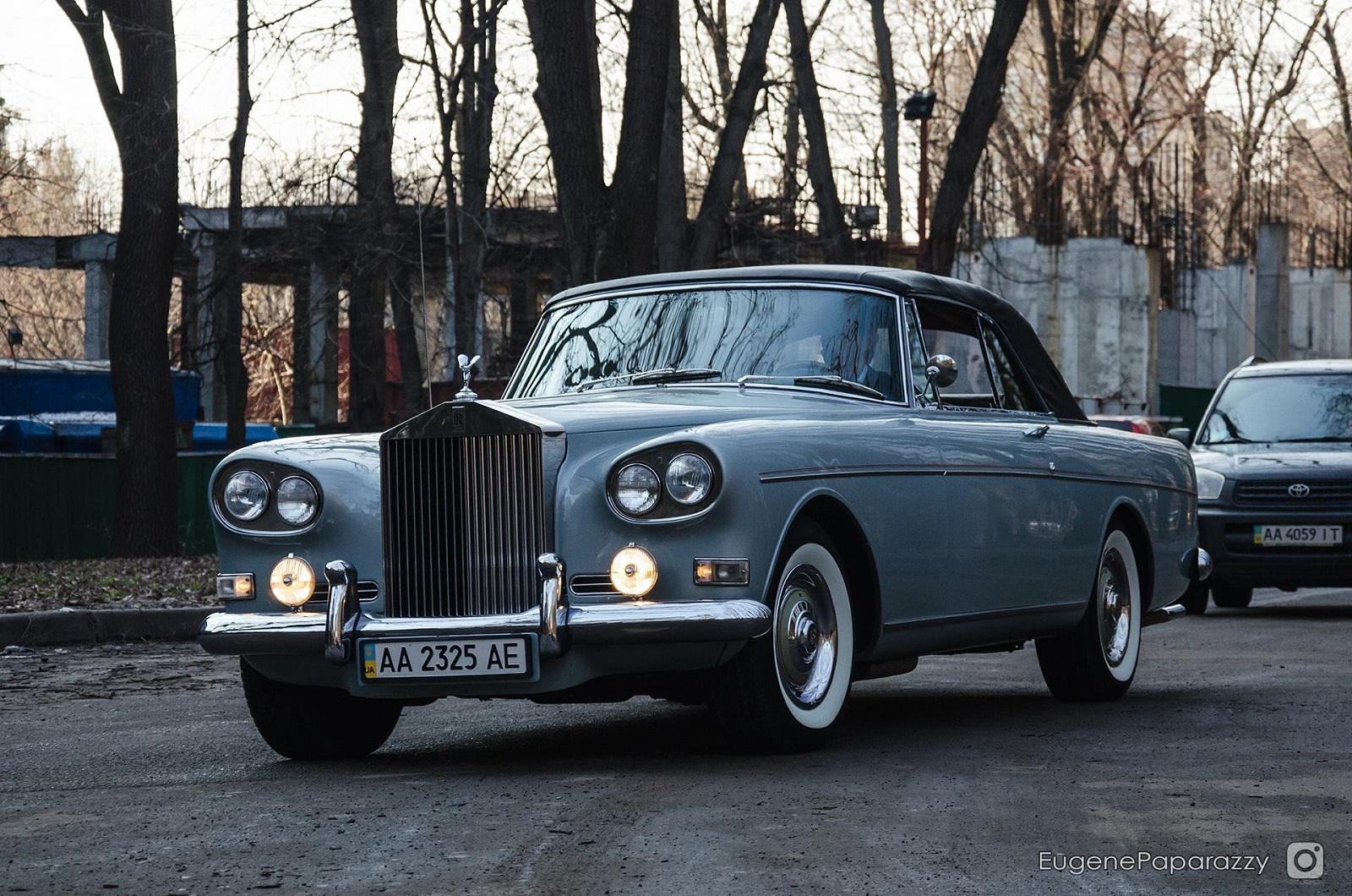 Фото уникальнейшего Rolls-Royce Silver Cloud в Украине