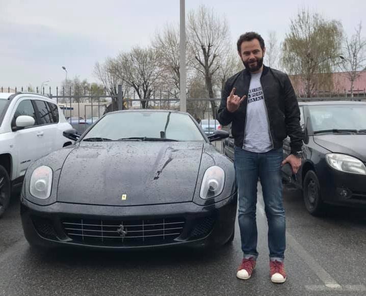 Сын скандального чиновника купил суперкар Ferrari